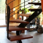 escalier limon central 1/2 tournant