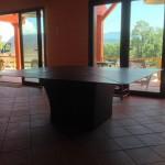 Table 2m*2m, tôle acier 6mm, patine rouille stabilisé et vernis mat, réalisé par 2 bois et d'acier (ferronnerie ébénisterie dieulefit drôme)