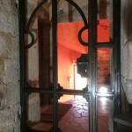 porte cave réalisée par 2 bois et d'acier (ferronnerie, ébénisterie, forge à dieulefit drôme)